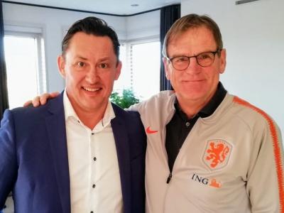 Assistent bondscoach steunt zijn oude club VVOG