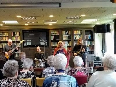 Optreden Willeke Alberti bij De Zeven Akkers in Harderwijk een groot succes