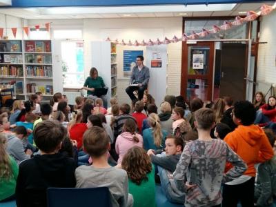 KBS Alfons Ariëns in Harderwijk opent met trots de Bibliotheek op school!