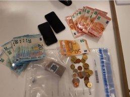 Drugshandelaar (18) met flinke portemonnee opgepakt in Harderwijk