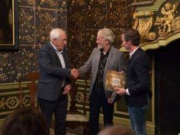 Bijzonder boek markeert officiële opening oude Stadhuis
