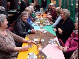 Start Thuishuiselijke Terras Woensdagen voor alleengaande ouderen op 3 juli