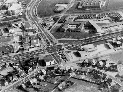 Herinner je je Harderwijk: Luchtfoto van het kruispunt Hoofdweg/Verkeersweg