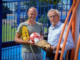 Bevlogen docenten met hart voor sport Piet de Wilde en Jan Martien van de Wetering over gymles van toen en nu