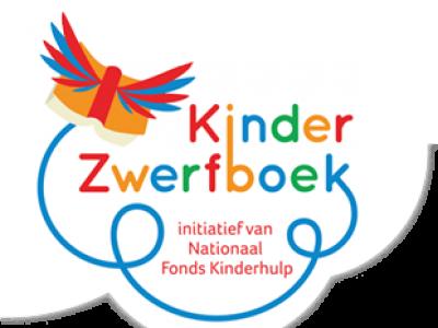Kinderzwerfboekenkraam op de weekmarkt in Harderwijk