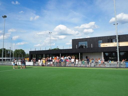 Mooi openingsfestival bij Hockeyclub de Mezen