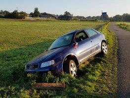 Halfnaakte dronken man gevonden bij gecrashte auto in Hierden