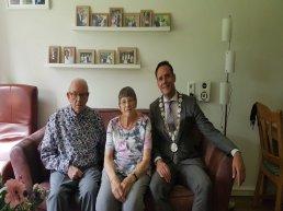 Bruidspaar de heer T. Bosch & mevrouw E. Bosch-Hoffmann 60 jaar getrouwd