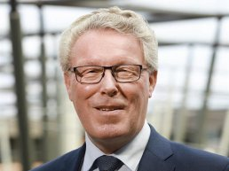 Provinciebestuurder Jan Markink spreekt in Putten over de stikstofproxlematiek in Gelderland