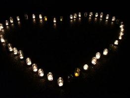 Wereldlichtjesdag Harderwijk 8 december op Begraafplaats Elzenhof in Harderwijk