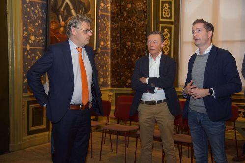 Gedeputeerde Peter Drenth bezoekt Oude Stadhuis in Harderwijk
