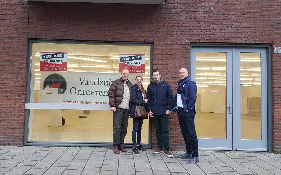 LampenShopOnline verhuist naar de 'oude Action' in Harderwijk