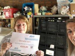 JCI schenkt cheque aan Stichting Mensen in Nood 0341
