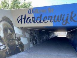 Graffiti kunst in nieuwe voetgangerstunnel Waterfront in Harderwijk