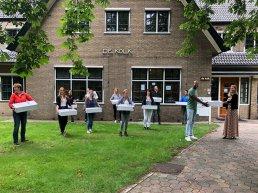 Tafelronde Harderwijk en restaurant Caert trakteren zorg op dinerbox