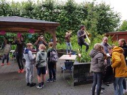 Lawaai opvrolijktocht van het Kindercollege Harderwijk