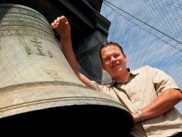 Belgische slagwerker bespeelt Harderwijks carillon