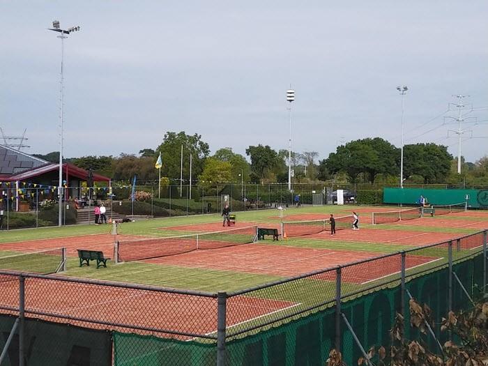 Ouder kind tennismiddag bij Tennisvereniging Frankrijk 3