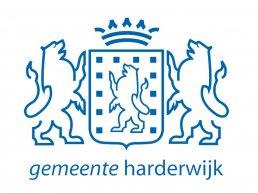 Twee nieuwe laadpalen op Stationsplein Harderwijk voor elektrisch busvervoer