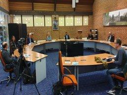 Ermelose fractievoorzitters zeggen vertrouwen op in eigen burgemeester om 'onwerkbare' relatie met wethouders