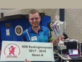 """Martijn Kleermaker uit Hierden vol vertrouwen naar EK Darts: """"Ben ervan overtuigd dat ik Cross kan verslaan"""""""