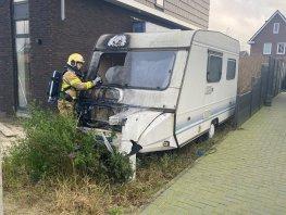 Door fopvuurwerk brand ontstaan in caravan in Harderwijk