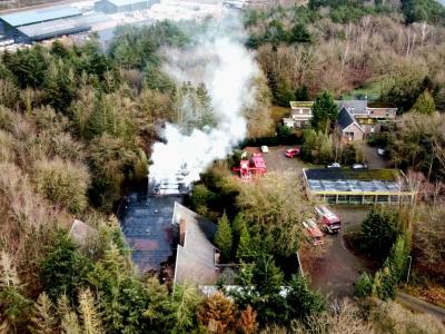 Brand uitgebroken in loods op de Zandlaan in Harderwijk