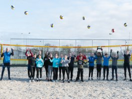 Winter beachtraining in de Volleybal Vereniging Harderwijk Beach Arena