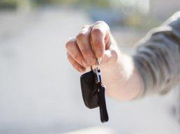 Nieuws Univé Dichtbij: auto kopen, nieuw of tweedehands?