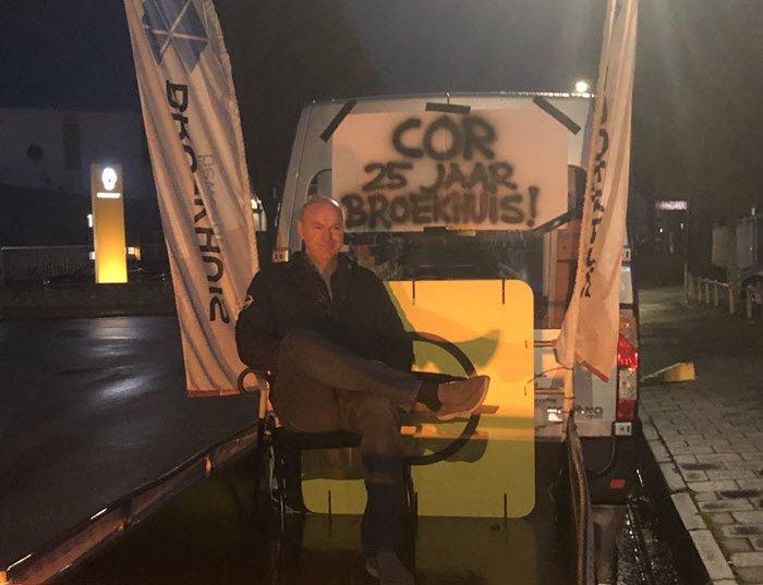 Cor de Ruiter 25 jaar in dienst bij Broekhuis Opel Harderwijk