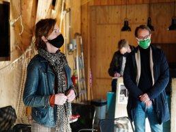Bezoek CDA-kamerlid Hilde Palland-Mulder aan de bruine vloot van Harderwijk
