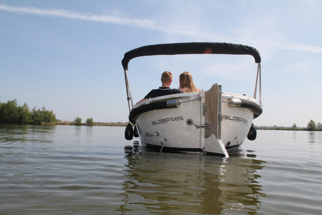 Het vaarseizoen begint weer: 'Je kunt nu een complete vakantieboot huren bij B&B Bootverhuur'