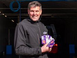 Niels Autowas: modern, duurzaam en 55 meter wasplezier