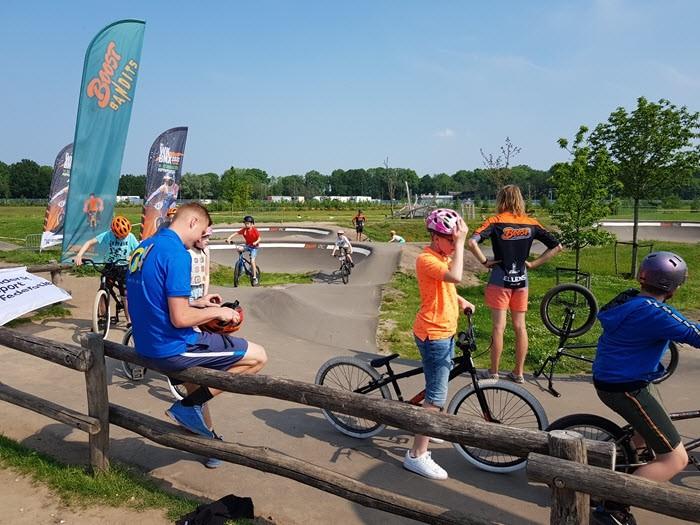 Gaaf fietsspektakel op de pumptrackbaan in Harderwijk 1