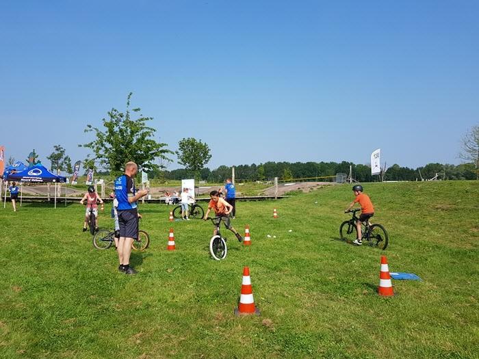 Gaaf fietsspektakel op de pumptrackbaan in Harderwijk 2