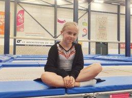 11-jarige Chemene uit Harderwijk plaatst zich voor het jeugd WK trampoline springen